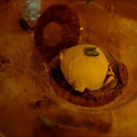 キャラメルメープルと洋梨のフレンチトースト