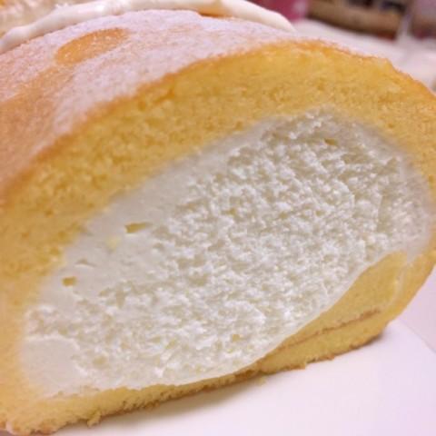 手巻きロールケーキの日
