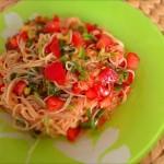 トマトと長ネギのピリ辛韓国風冷製パスタ